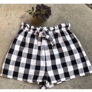 Topshop Buffalo Black & White Plaid Shorts size 6